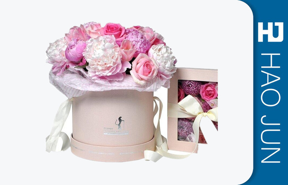 China Romantic Round Cardboard Boxes For Flower Arrangements With Ribbon factory